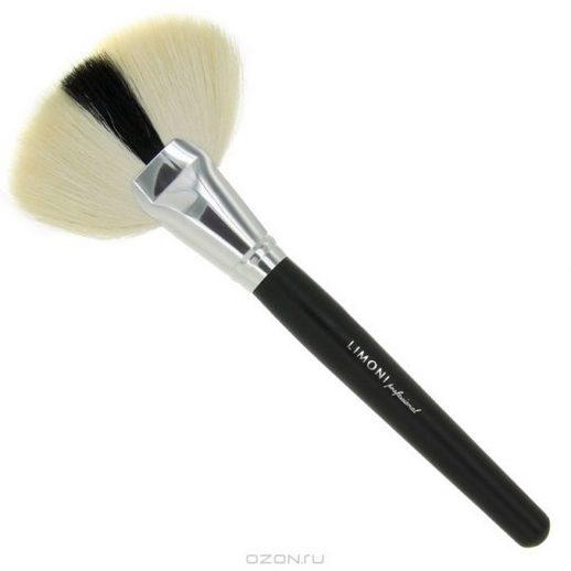 Чем мыть кисти для макияжа