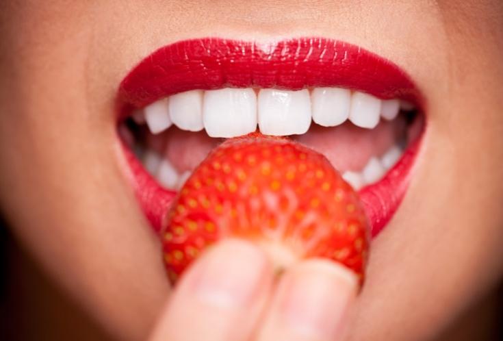 Как отбелить зубы дома фото