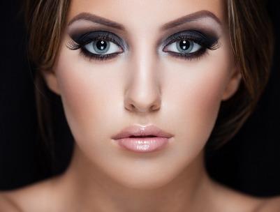 Глаз кожа макияж. Макияж для бледной кожи фото