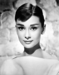 История макияжа и косметики, История развития в 20 веке
